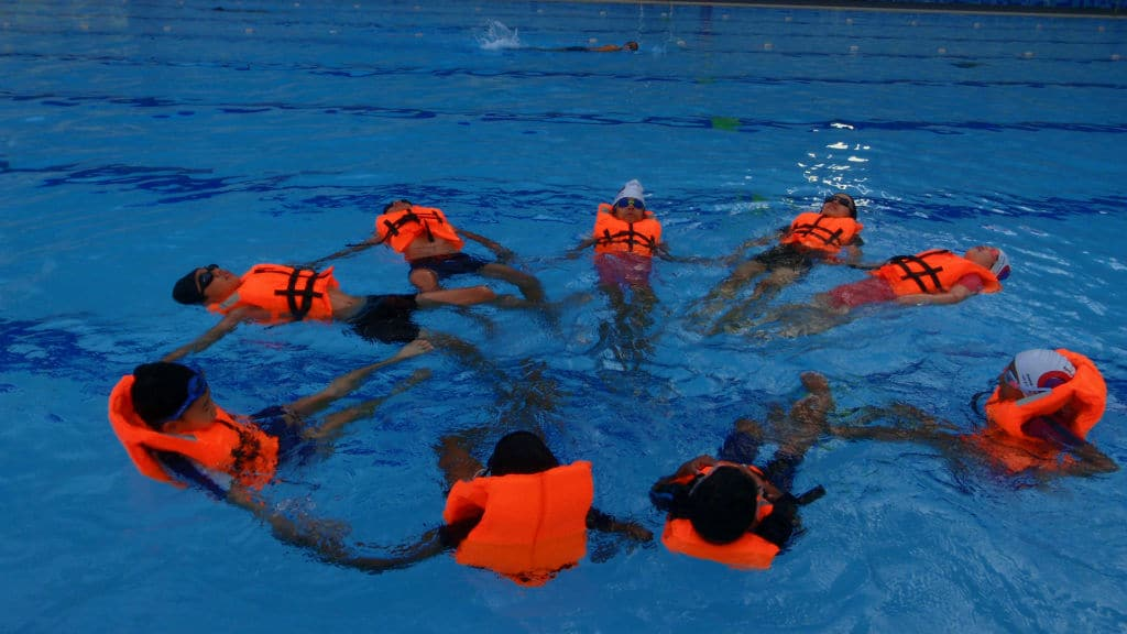 student swimming session