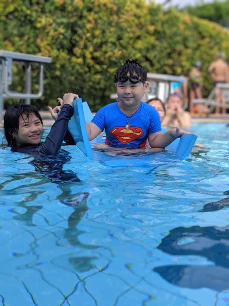 kids swim learning session